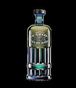 Ottimo servito liscio per gustare profumi e spezie, elegante al palato. Vermouth Riserva Extra Dry Carlo Alberto: miscela di aromi e gusto.