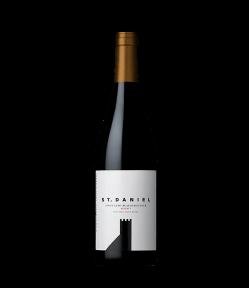 Pinot Nero Riserva St.Daniel 2017. Vino Rosso Trentino. Gradazione alcolica 13,5%.