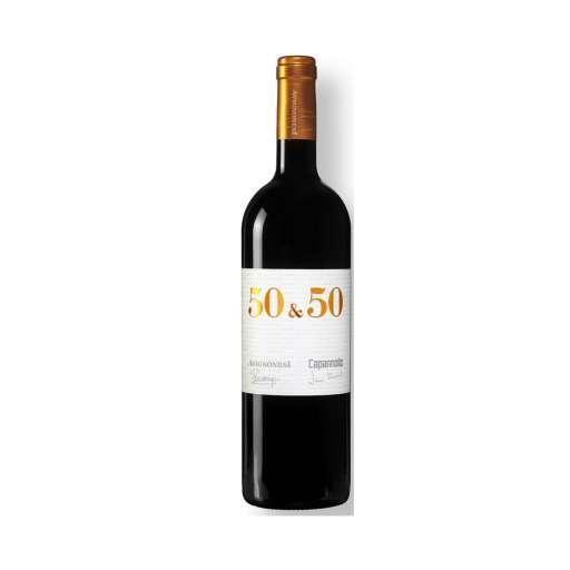 """Toscana """"50 & 50"""" IGT. Colore rosso rubino, profuma di frutta matura, bacche nere, spezie dolci. Ricco e persistente con un finale lungo e balsamico."""